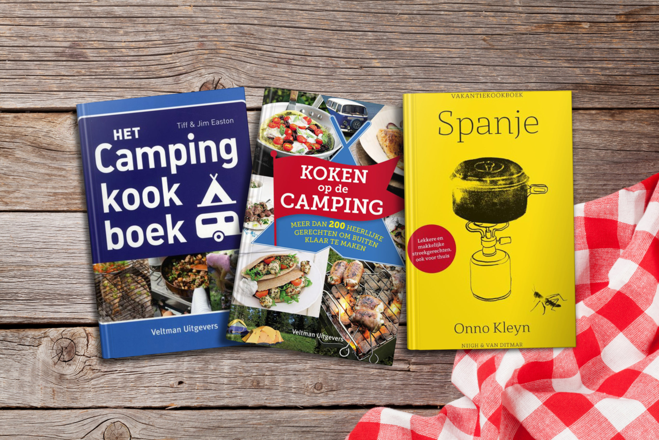 6X9 Books Scattered Table Mockup V2 Campingkookboek